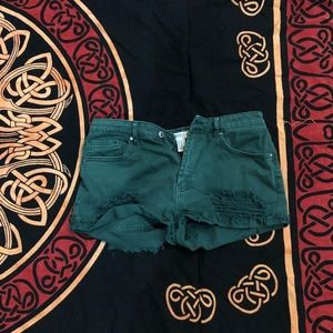 FOREVER 21 green distressed shorts